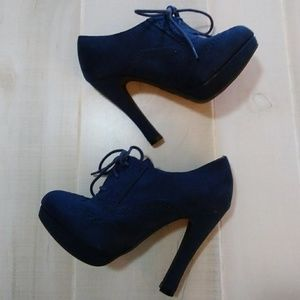 Fioni Navy Blue Heels with Laces